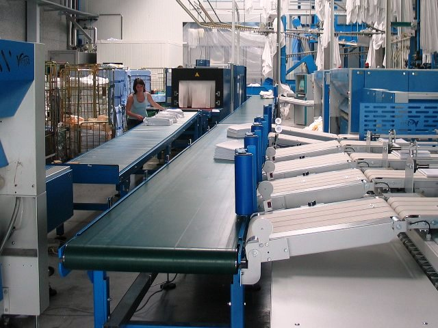 Conveyor contreoller for Mobics Track system